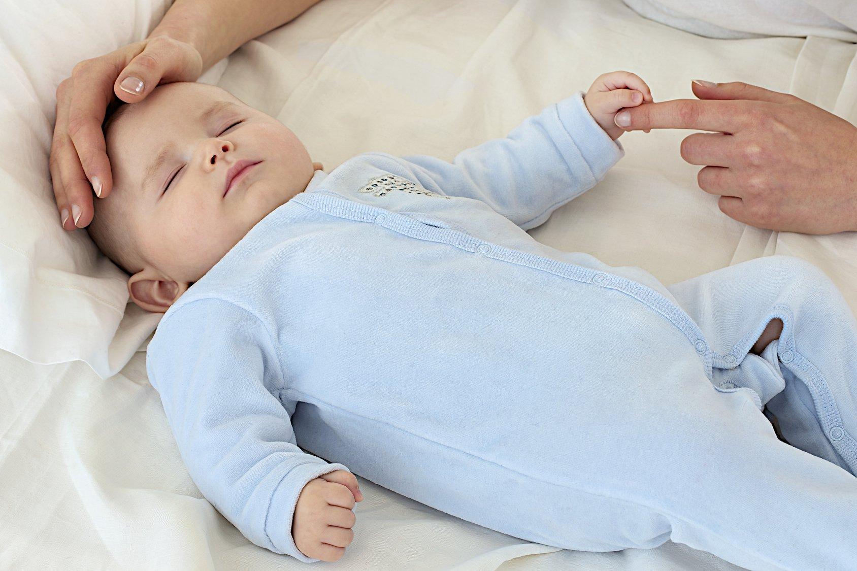 Temperatura corporal sencillos pasos para tomarle a tu beb chiquitosybeb quito ecuador - Temperatura bano bebe ...