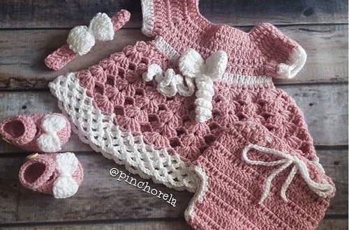 ropa tejida de bebe
